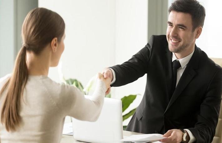 Crea un ambiente de confianza en una entrevista laboral